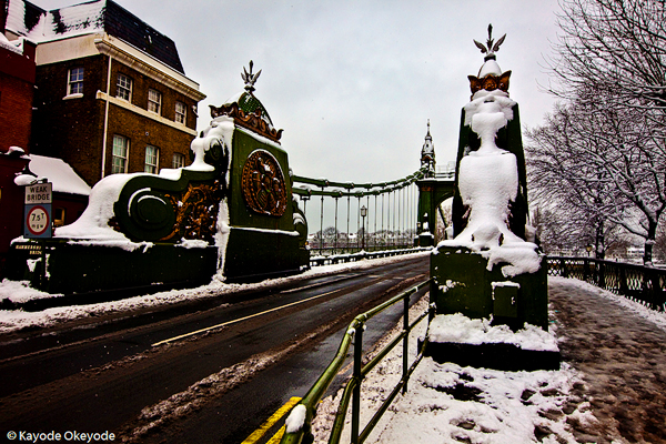 London When it Snows:  Hammersmith Bridge