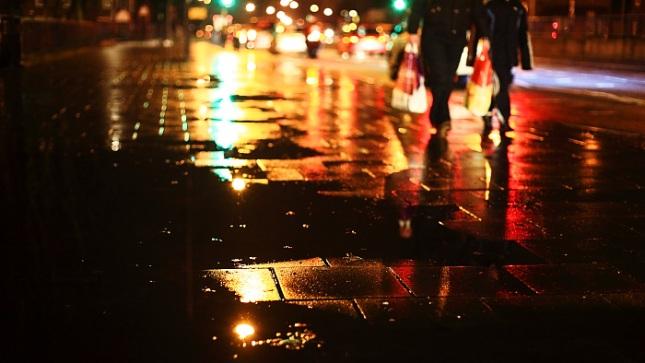 London When it Rains; Reflections